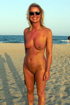 Cap D'agde a sexhungry wife go to a nudist...
