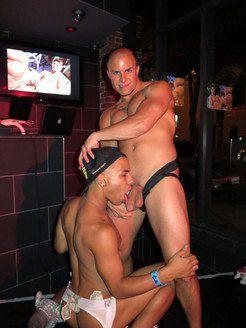 GoGo dancer lets suck his big dick