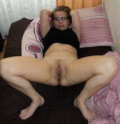 Look at my wife's pussy, nude photo...