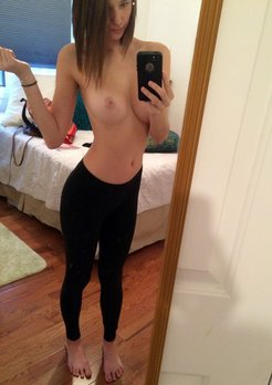 18-21 year old teens hot and nude selfies