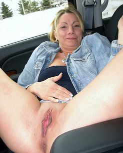 Nude Housewives and wives, sweet mature...