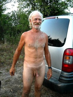 Naked dad shows his cock