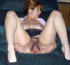 Married pussy waiting for your cock...