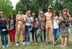 real cfnm clothed girls naked males