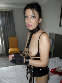 Fetish GF using black toy at home