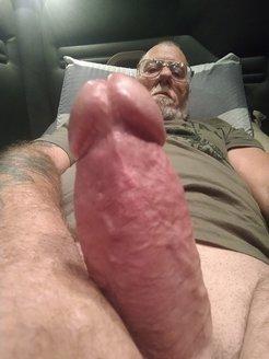Enjoy masturbating on cam for girls to see