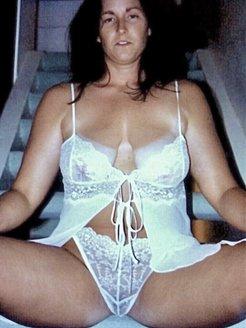 Big natural hangers wife