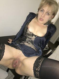 Caroline Polish hairy whore spreading