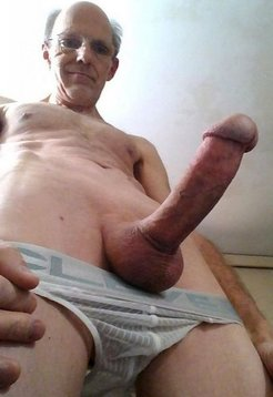 Exhibitionist Show It ALL